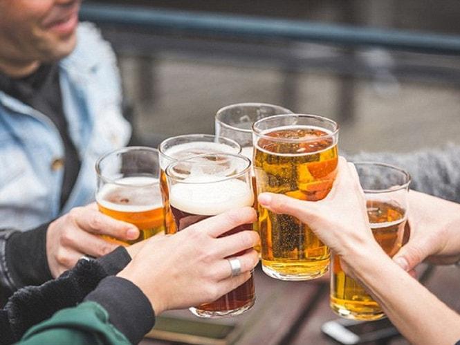Không nên uống rượu bia